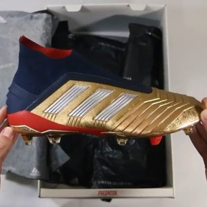 88c8ab202f47 Gold rush 🏆. Unboxing the limited edition  davidbeckham and  zidane  inspired Predator 19