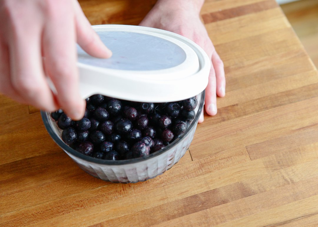 Blueberries put in freezer container