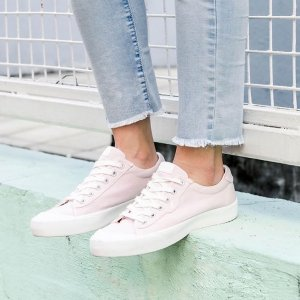 shoes, sneakers, white, black, gold, cute, vintage, tumblr