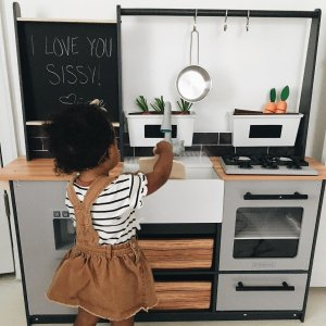 Farm to Table Play Kitchen with EZ Kraft Assembly™