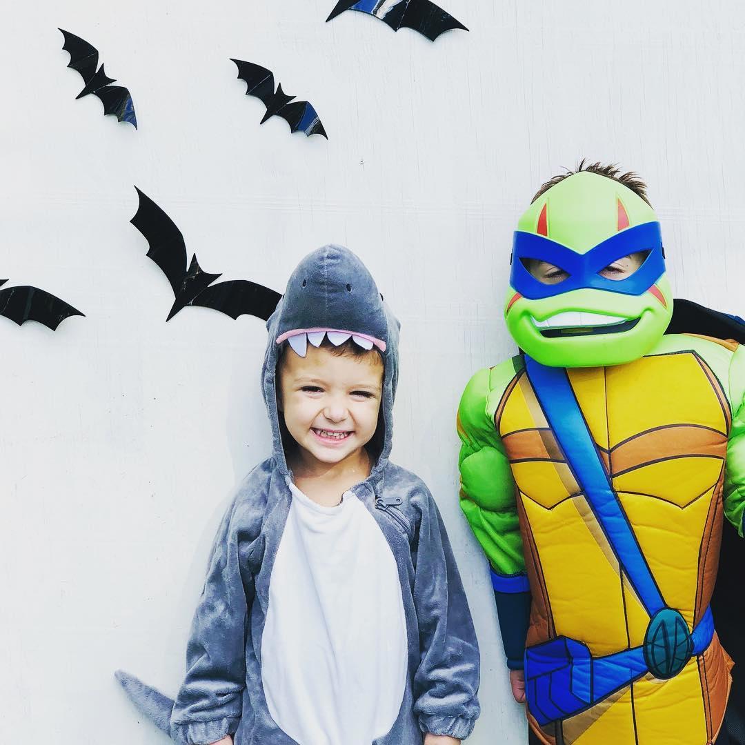 boys' teenage mutant ninja turtles rise of the turtles leonardo