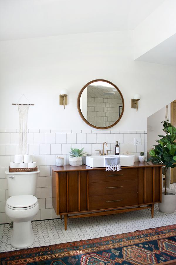 Modern Vintage Bathroom Reveal   brepurposed on