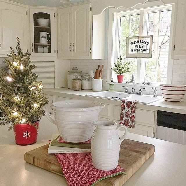 White kitchen at the holidays