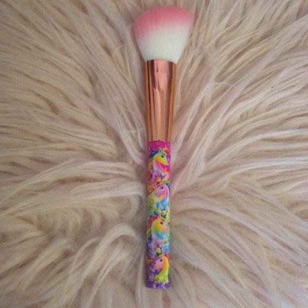 Glamour Dolls Lisa Frank Angled Blush Brush  a1bc9ebb5