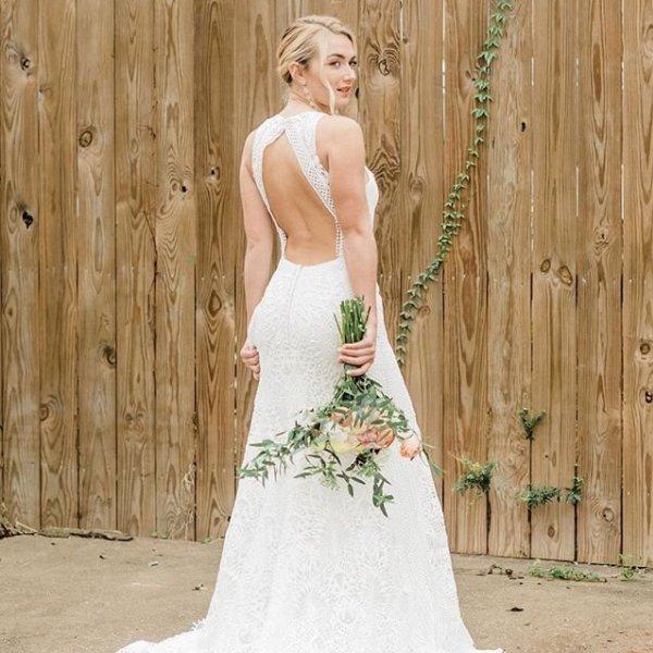 Boho Chic and Romantic Wedding Dresses  c21b8b3dc
