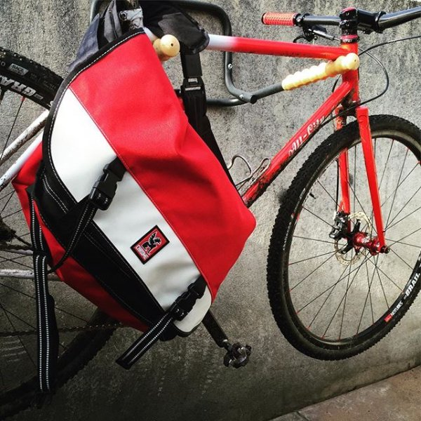 Citizen Messenger Bag - Fits laptops up to 17
